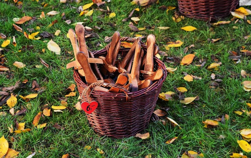 Holzschwerter für Groß und Klein