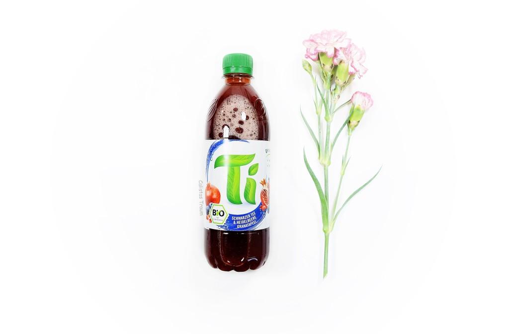 ti schwarzer tee & heidelbeere granatapfel / 0,89 euro - 0,5 l