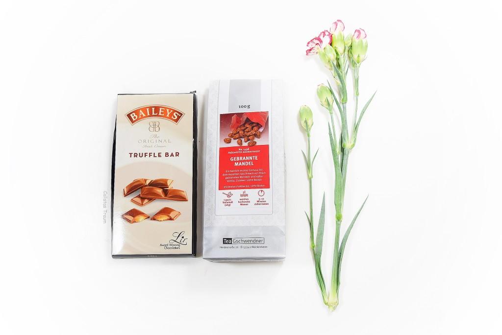baileys original chocolate tafel / 2,49 euro - 90 g // teegschwendner Früchtetee / 4,30 euro - 100g