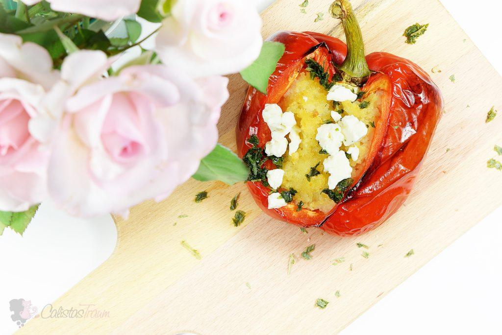 Gefüllte Paprika mit Risotto und Feta