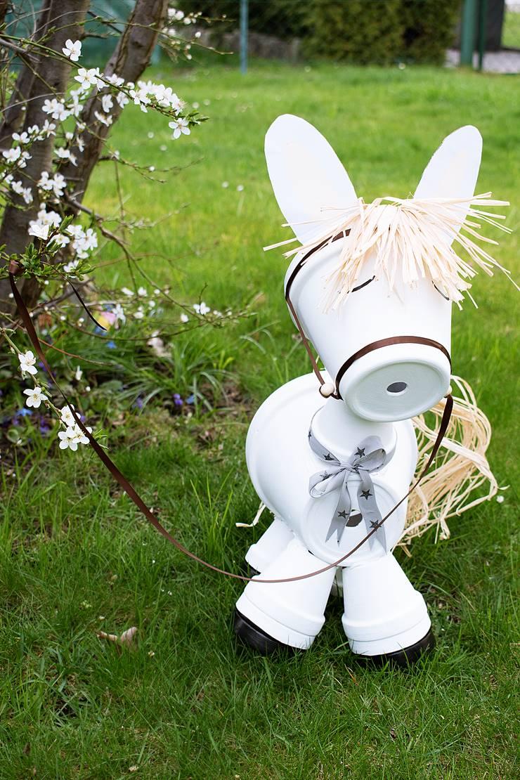 Gartendeko selbst gemacht   Pferd aus Tontöpfen   Calistas Traum